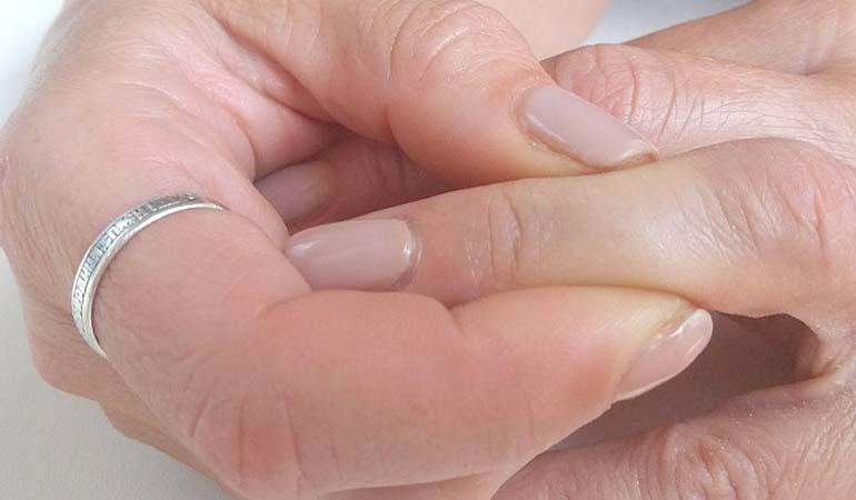 массаж пальца