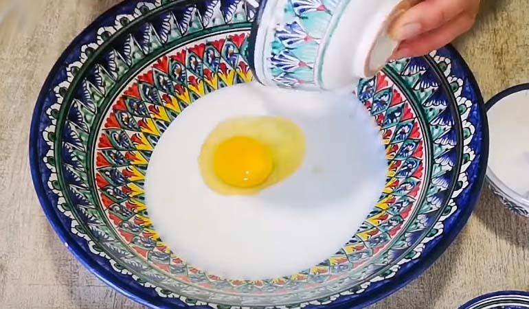 кефир с яйцом для лепешек чуду