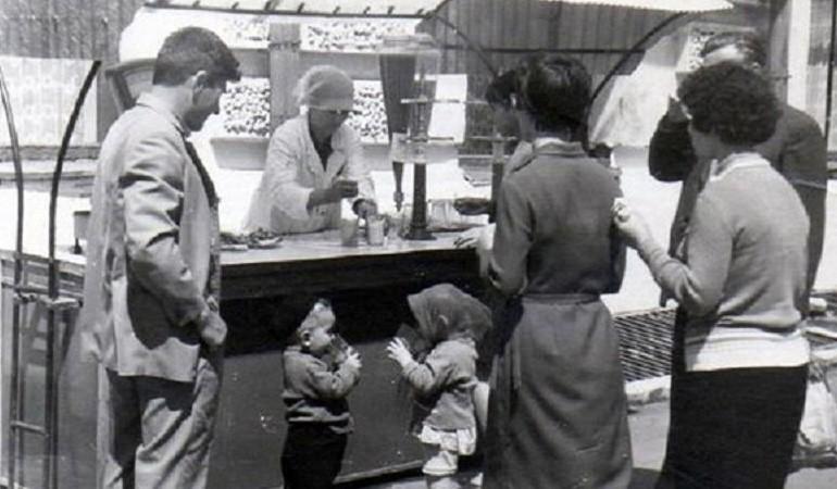 очередь в СССР за молочными коктейлями