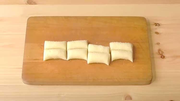 нарезанные сахарные трубочки