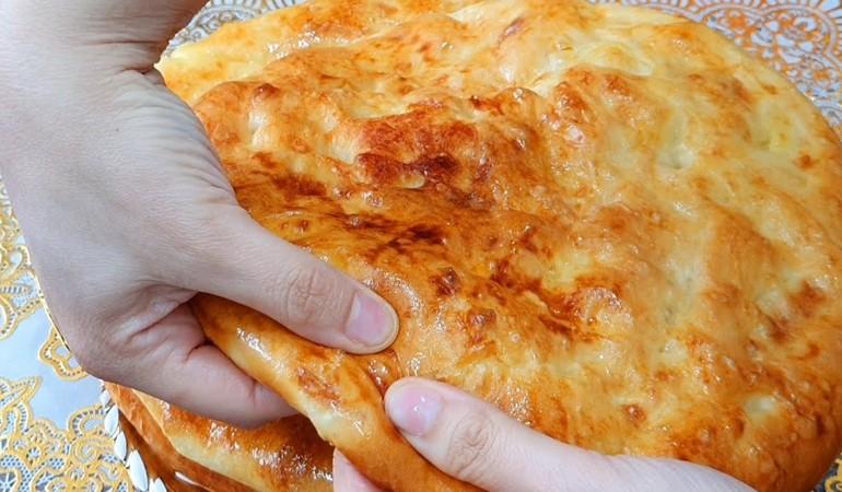 дрожжевые лепешки с начинкой из картошки
